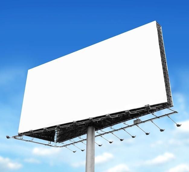 Доска объявлений с пустым экраном