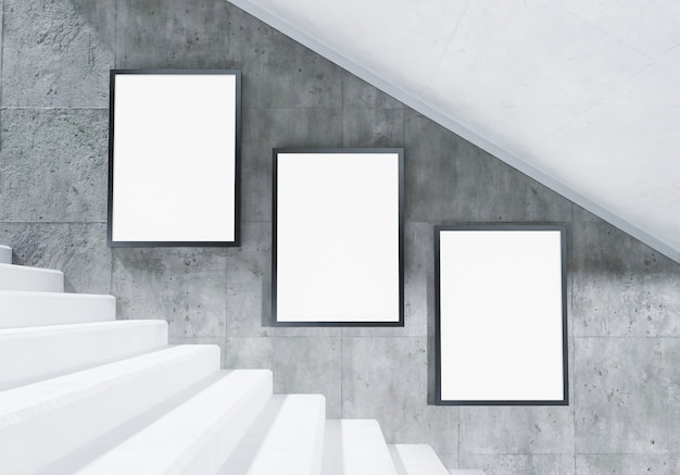 Макет рекламных щитов на лестнице станции метро с бетонной стеной