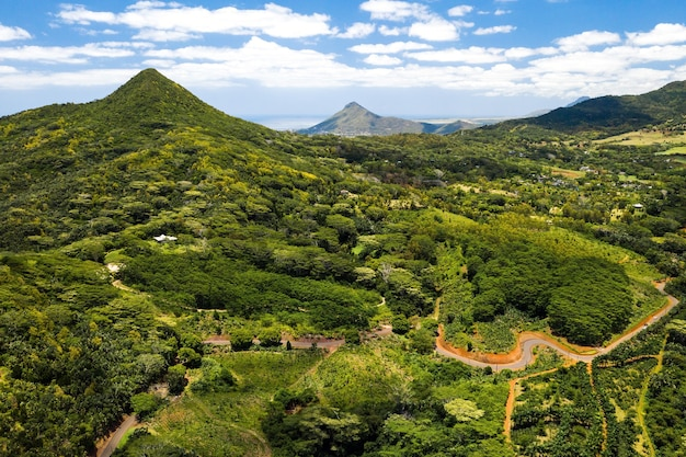 모리셔스 섬의 산과 들판의 조감도 모리셔스의 풍경.