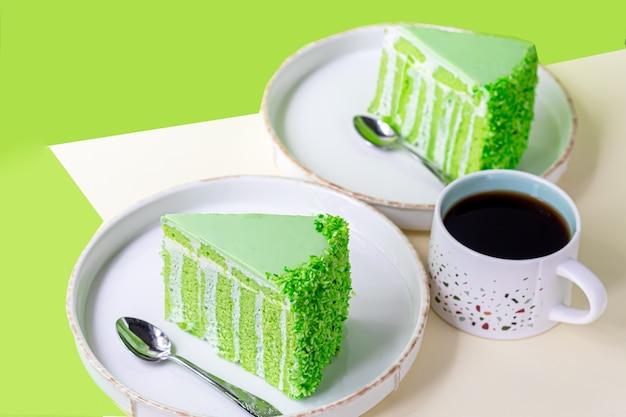 アップルビスケットで誕生日ケーキ