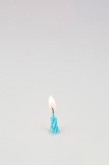 Candele di compleanno e copyspace in cima Foto Gratuite