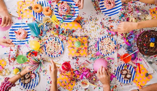 Tavolo da festa di compleanno