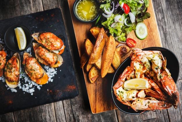Bistro good food cafe serving fusion menu Premium Photo