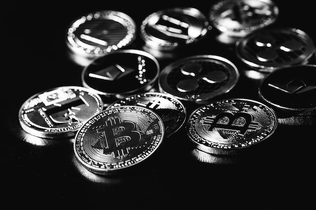 ビットコイン。経済危機。暗号通貨取引。