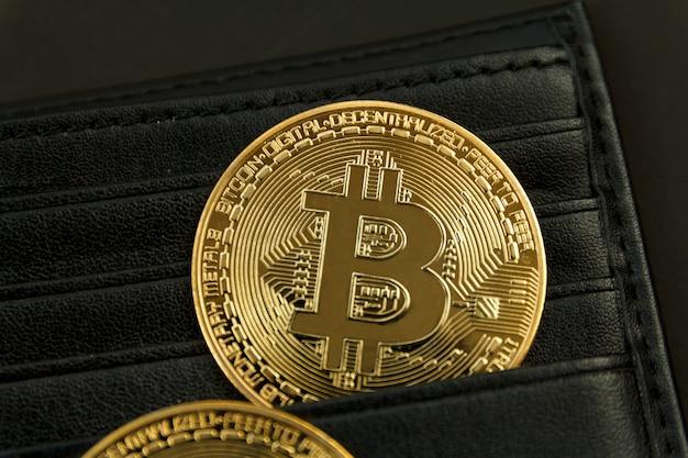 Биткойн - это место в кошельке, концепция технологии торговли криптовалютой.
