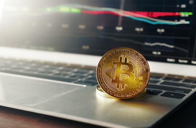 Золотая монета криптовалюты bitcoin концепция предпосылки валюты.