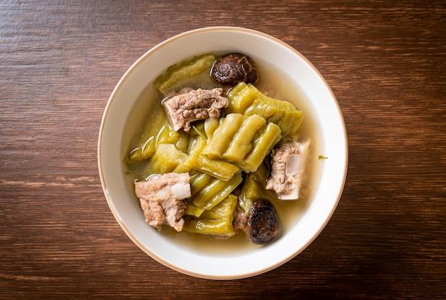 ゴーヤとスペアリブのスープ