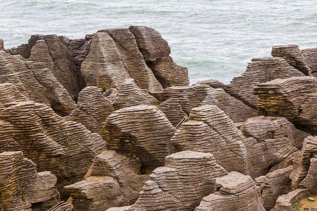 파파 로아 국립 공원의 기괴한 바위 팬케이크 록스 뉴질랜드 남섬