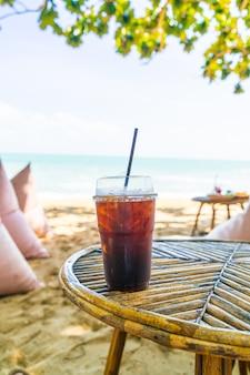 Черный американо кофейный стакан с морем