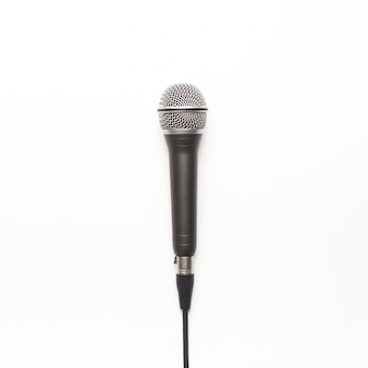 Черный и серебристый микрофон на белом фоне Бесплатные Фотографии