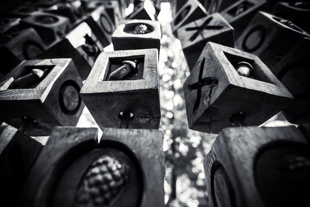 黒と白の幾何学的な背景