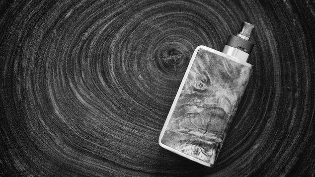 고급 안정화 목재 조절 상자 개조의 흑백, 흑백 샷