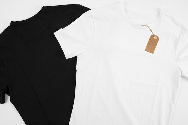검은 색과 흰색 티셔츠