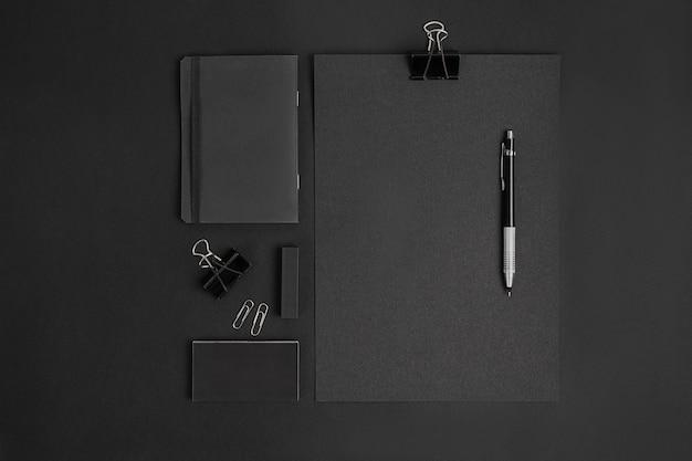 Черный макет брендинга