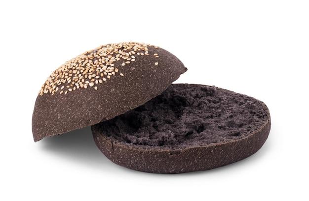 白い背景で隔離の黒のハンバーガーパン