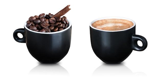 커피 원두와 계피와 함께 블랙 컵. 검은 커피 한잔. 외딴