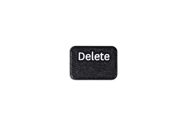 Черная кнопка удаления крупным планом на белом фоне
