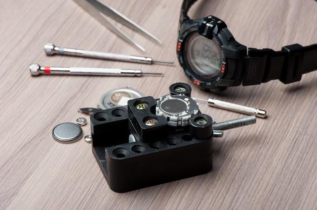 アウトドアアクティビティ用の黒いデジタル時計