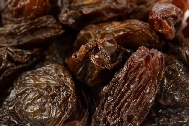 Black dried raisins raisins as