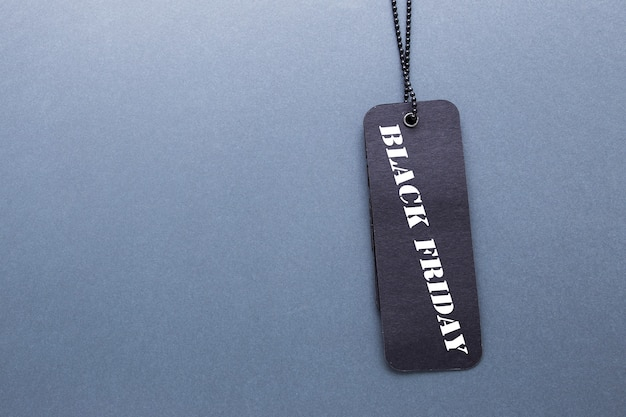 Черная пятница этикетка с цепочкой и копией пространства
