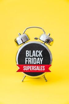 Sveglia nera di vendita del venerdì