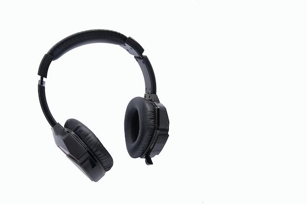 흰색 배경에 고립 된 검은 게임 무선 헤드폰
