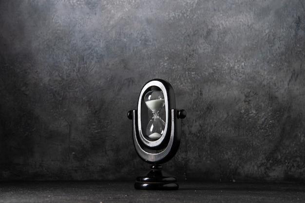 灰色のタイムウォーの死の黒い砂時計