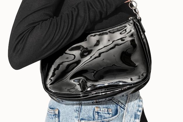 여성 의류 촬영을위한 블랙 가죽 바게트 백