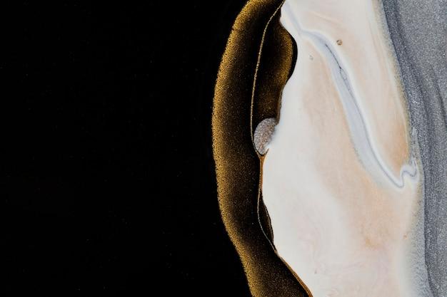 Черный жидкий мраморный фон ручной работы акриловой краской