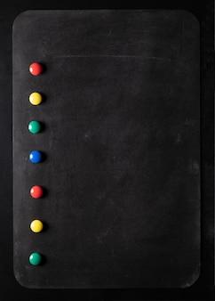 냉장고 메모 용 블랙 마그네틱 보드, 멀티 컬러 원형 자석