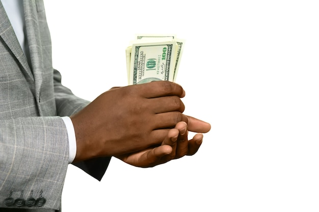 현금을 들고 흑인입니다. 꽤 두꺼워보입니다. 주머니를 따뜻하게 하세요. 신선하고 바삭합니다.