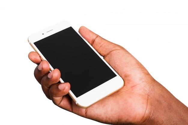 흑인 남자 이랑 흰색 현대 디지털 모바일 스마트 폰 빈 화면을 잡고