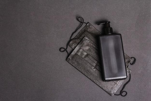 Черные маски изолированные продукты для личной гигиены и профилактики вирусных заболеваний