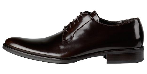 흰색 배경에 고립 된 구두 끈으로 흑인 남성 신발