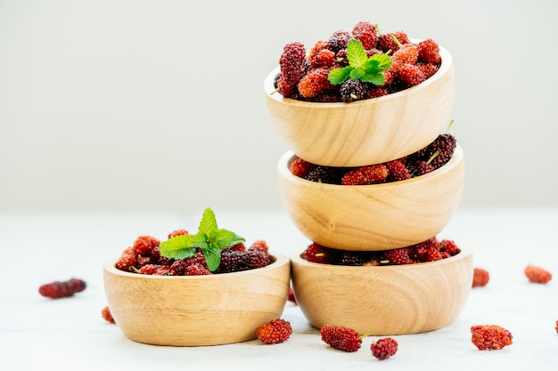 Black mulberry fruit in bowl