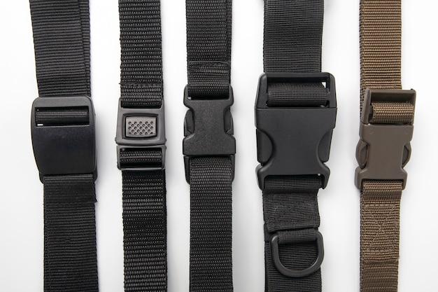 배낭 용 검은 색 플라스틱 fastex 클립. 의류 및 장비 품목
