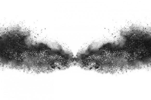 白い背景に黒い粉の爆発。