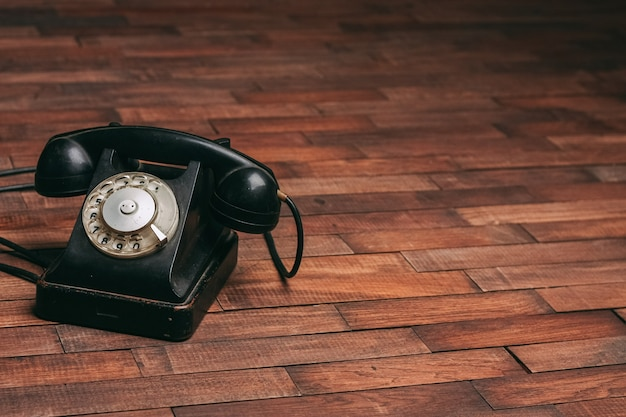 블랙 레트로 전화 클래식 스타일 구식 기술