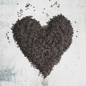 Black rice in form of heart