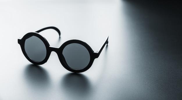 黒丸メガネ