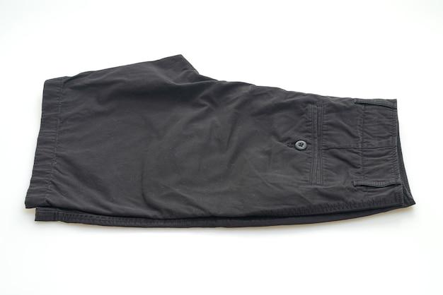 Черные короткие брюки на белом фоне