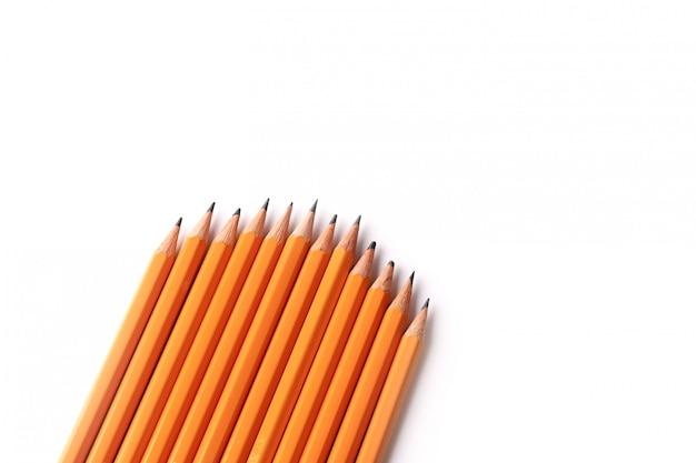 고립 된 검은 슬레이트 연필