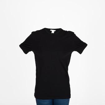 검은 티셔츠