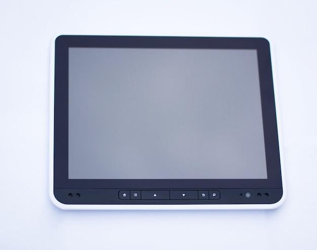 클리핑 패스와 함께 흰색 절연 검은 태블릿 pc