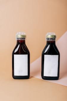 Черные тюбики с косметическим кремом, здравоохранение