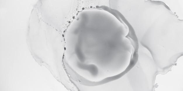 黒と白の水彩画。木炭塗装。パステル地下表面。抽象的なレイアウト。シルバートラディショナルペーパー。グレーのソフトシャツ。プラチナオリエンタルドローイング。悲しい黒と白の水彩画。