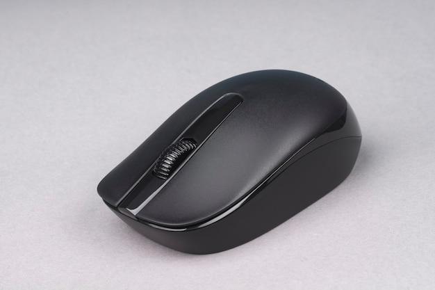 Беспроводная оптическая мышь черного цвета