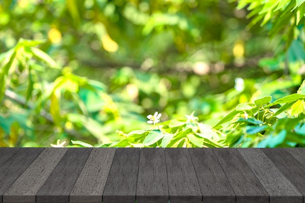 黒い木製の棚または黒い木製のテーブル