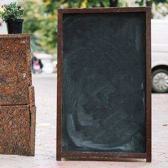 舗道に黒板