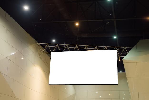 Billboard in aeroporto in aeroporto